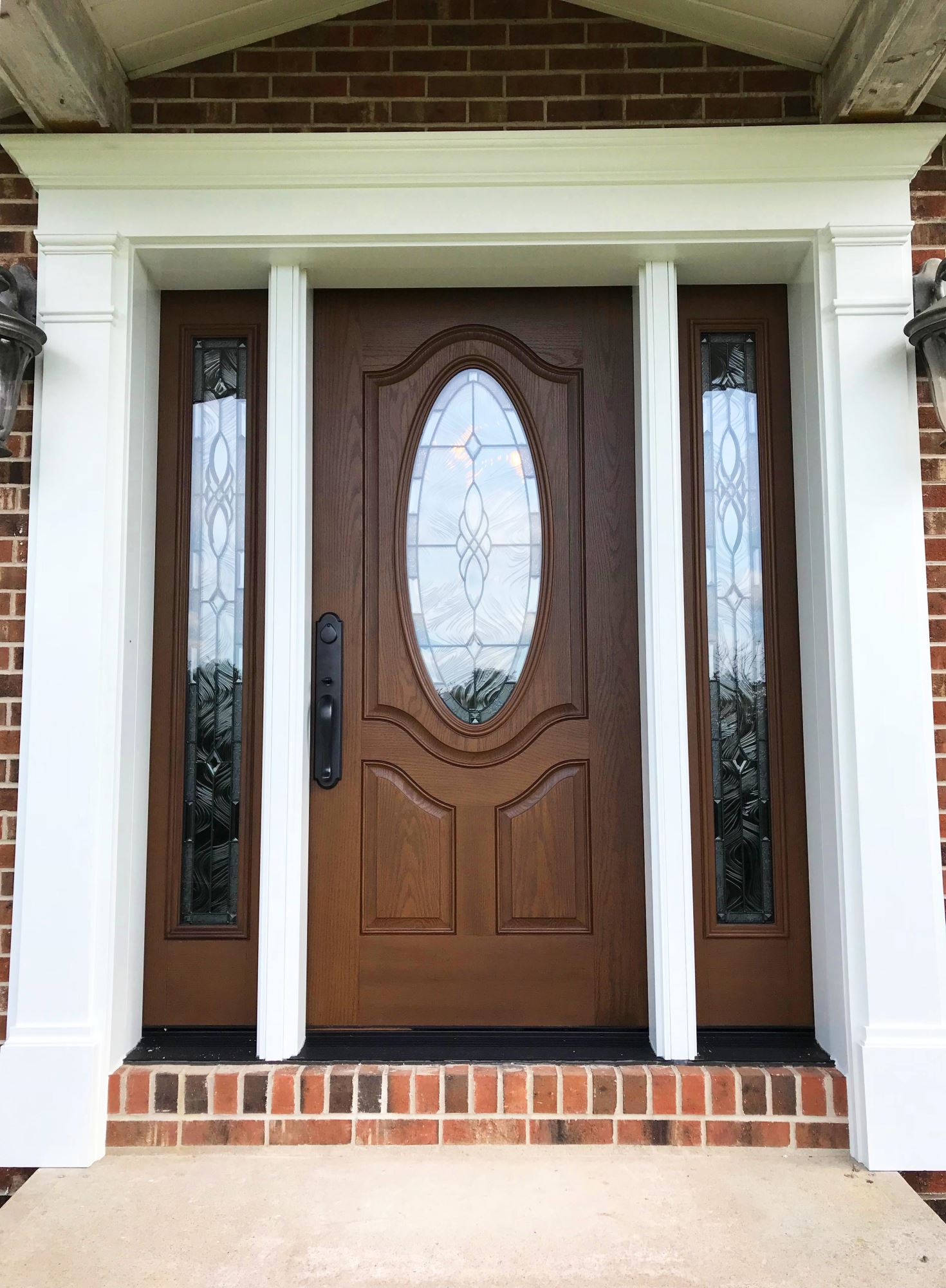 fiberglass door with woodgrain