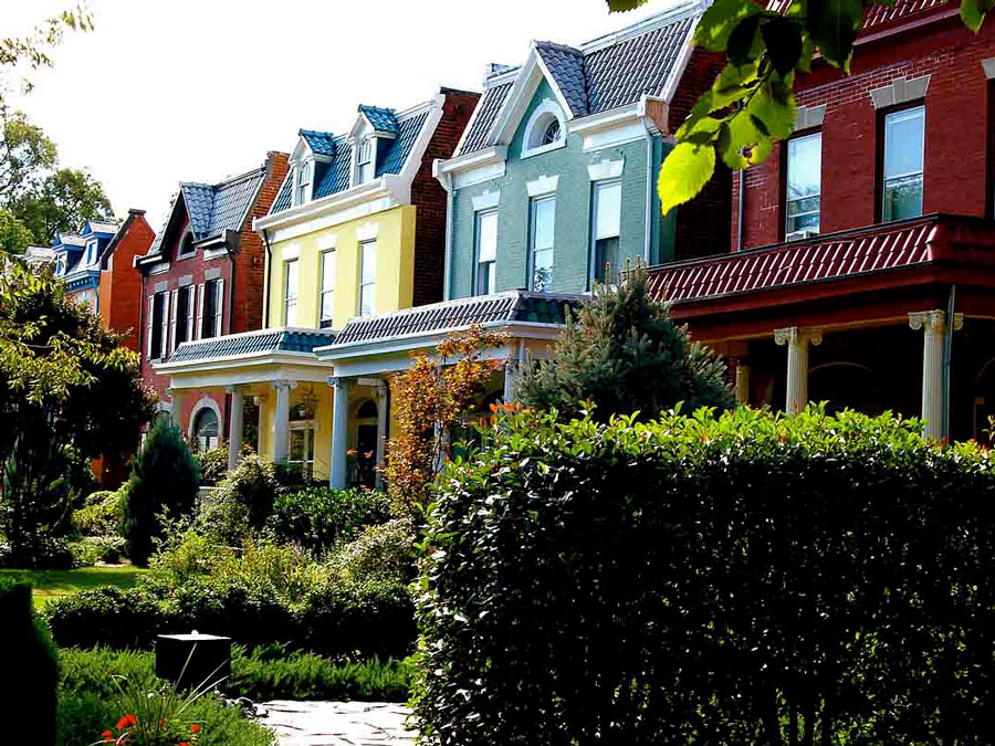 Historic homes in The Fan District in Richmond, VA
