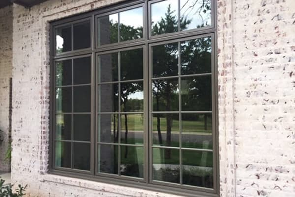 Country style decor - windows with grilles