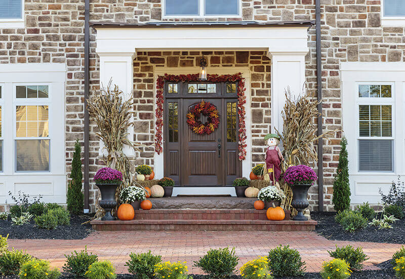 beautiful fall front door decor prs blog. Black Bedroom Furniture Sets. Home Design Ideas