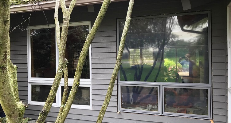 Side-By-Side Comparison: Pella Replacement Windows vs. Builder-Grade Windows
