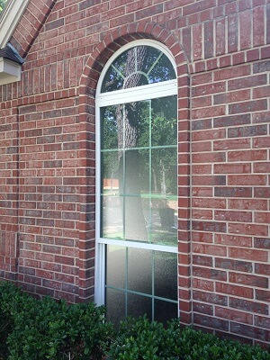 window image of dallas home with new vinyl single hung windows
