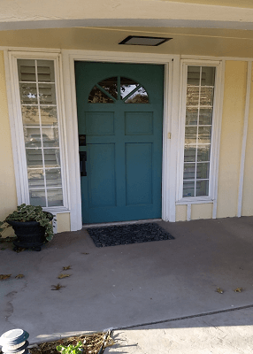 before image of oklahoma home before fiberglass entry door replacemen