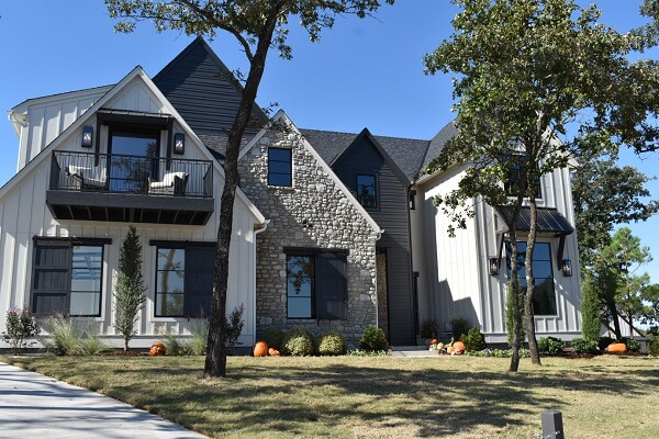 new construction home with new wood casement windows in oklahoma