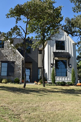 new construction home in oklahoma with new wood casement windows