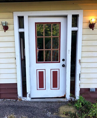south hills pa home before getting new fiberglass entry door