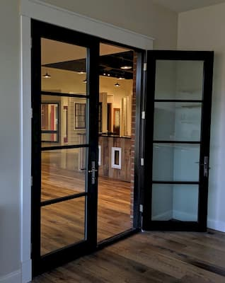 Contemporary Door Provides Fresh Look in Richmond