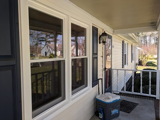 vinyl double-hung windows on ranch style Suffolk home