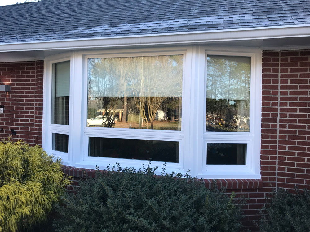 New vinyl bay windows on Smithfield, VA, home